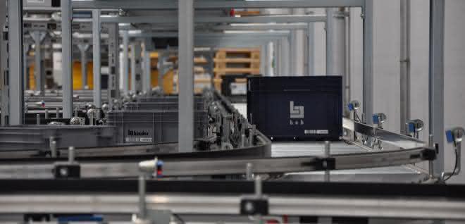 binder nimmt neues Logistikzentrum in Betrieb