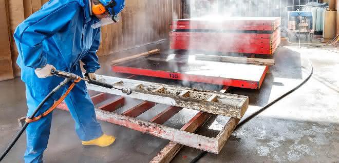 Mit Dynajet Hochdruckreinigern Schalungen sanieren und reinigen
