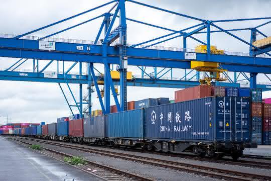 Fressnapf bringt erstmals Zug von China nach Duisburg auf die Schiene