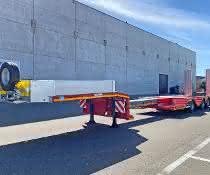 Modularer Baukasten ausgebaut: MAX100 Satteltieflader jetzt mit Auszug und zwei Paar Radmulden