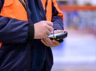 TIS liefert 3.500 mobile Datenterminals an Gebrüder Weiss