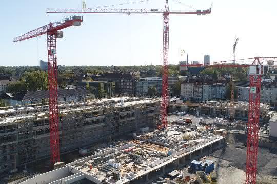 """Drei Wolff-Krane errichten """"kaiserliches"""" Wohnquartier"""
