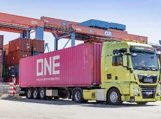 Erfolgreiche Praxisfahrten mit autonomen Trucks im Hamburger Hafen