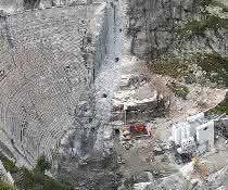 Eine alpine Herausforderung: SBM produziert Staumauerbeton für Alpen-Baustelle