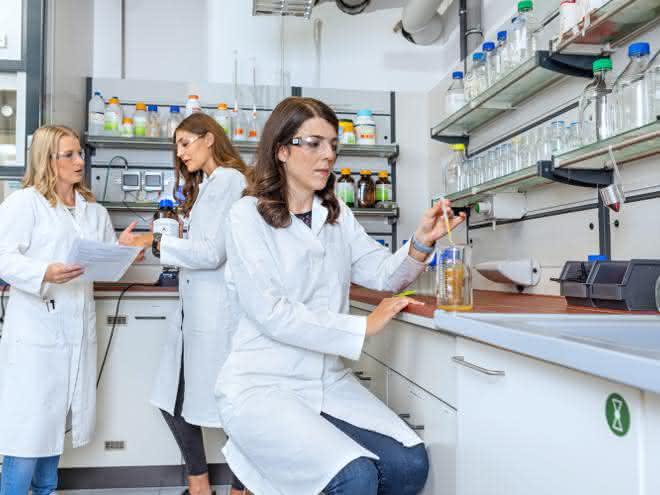 Personen im Labor