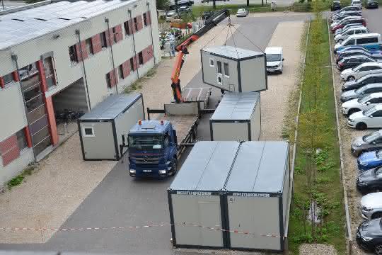 Beutlhauser liefert Container für Regensburger Test- und Impfzentrum