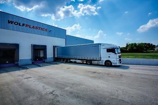 Alpla Group plant Übernahme des Verpackungsherstellers Wolf Plastics Group