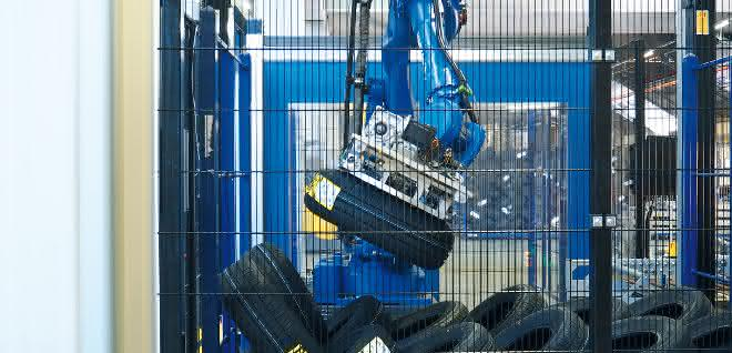 Extor erhöht die Flexibilität seines Reifenpalettierers