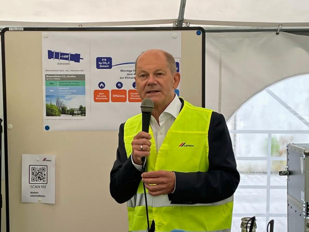 Kernthema CO2-Minderung: Olaf Scholz besucht CEMEX-Zementwerk