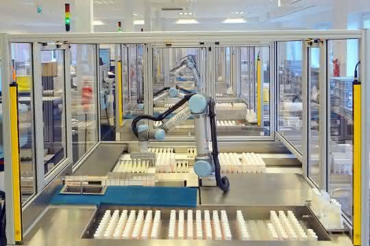 Automatisierungslösung mit Robotik im Milchlabor Weser Ems.