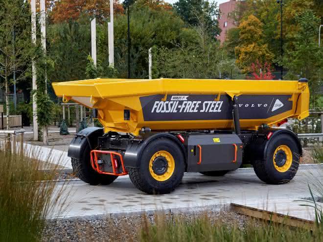 Volvo-Gruppe launcht weltweit erstes Fahrzeug aus fossilfreiem Stahl