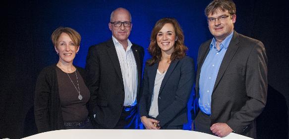 Victoria Van Camp von SKF, Johan Stahre von der Uni Chalmers, Moderatorin Stephanie Johansson und Kent Eriksson vom Softwareunternehmen PTC