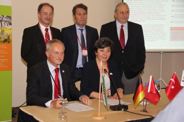 Sächsisch-türkische Kooperation: Vemas unterzeichnet Absichtserklärung mit Turkish Machinery